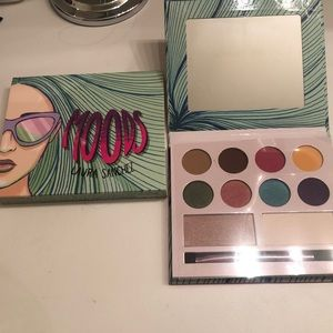NEW Moods make up by Laura Sanchez
